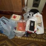 Полки, книги, пять пакетов